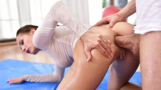 BrazzersExxtra/Brazzers - Nicole Love - Oily Yoga 2 (FullHD/1080p/436 MB)