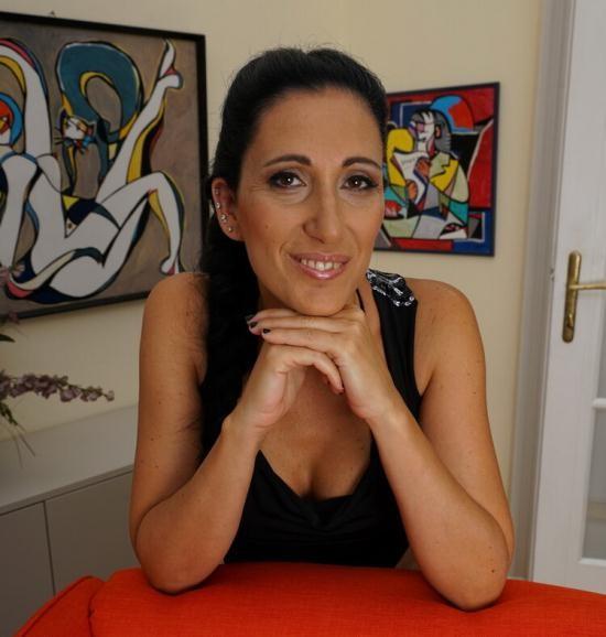 Mature.eu/Mature.nl - Giorgia (37) - Horny housewife fucking and sucking (FullHD/1080p/1.29 GB)
