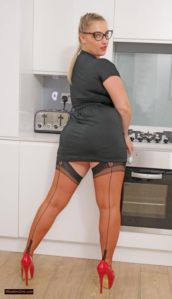 Jeffsmodels - Petra Dubska - Beautiful Big Tittied Blonde (FullHD/1080p/1.46 GB)