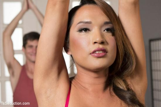 TSSeduction/Kink - Jessica Fox - Pay for your yoga class with a cream pie! (HD/720p/1.11 GB)
