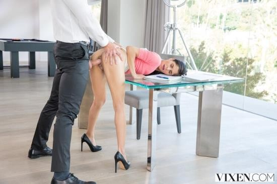 Vixen - Katya Rodriguez - Bad Intern (SD/480p/624 MB)
