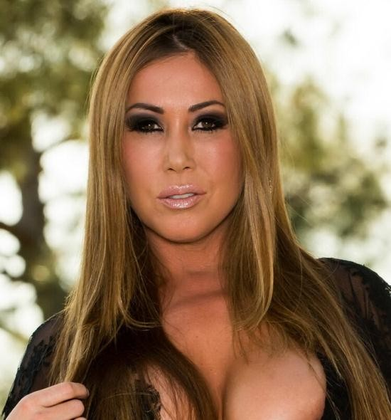 MommyGotBoobs/Brazzers - Kianna Dior - Your MILF is the Best (SD/480p/260 MB)
