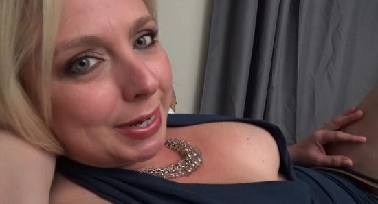Mom Comes First/Clips4Sale - Brianna Beach - Mother, Son's Late Night Confessions (FullHD/1080p/2.08 GB)