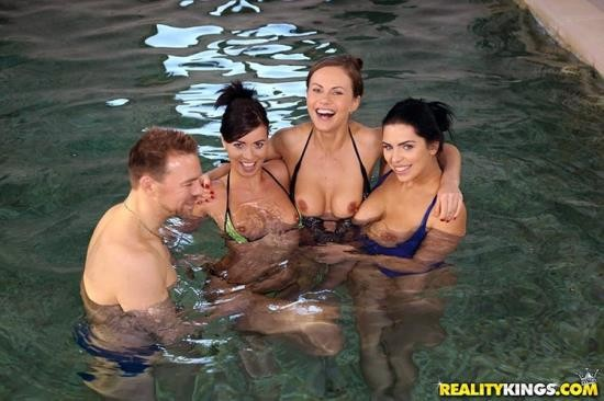 EuroSexParties/RealityKings - Tina Kay, Kira Queen, Vicky Love - Horny Models Pool Party (HD/720p/1.18 GB)