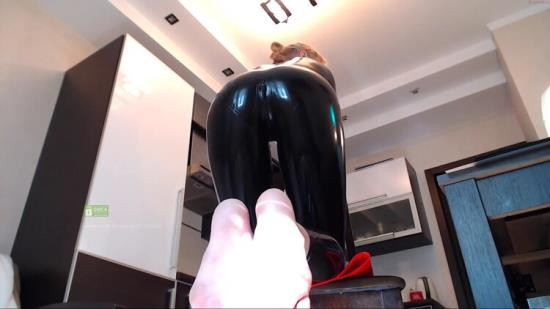 Chaturbate - Bronnica - Latex (FullHD/1080p/1.15 GB)