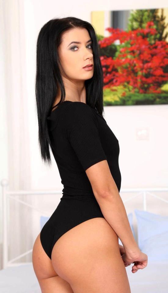 BitchesAbroad/PornDoePremium - Nicole Black - Rich Russian Tourist (FullHD/1080p/1.35 GB)