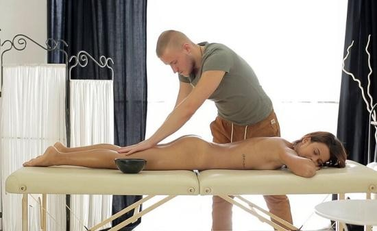 HDMassagePorn/WTFPass - Mary Dee aka Grace C - Pussy massage gets the sexy girl dripping (FullHD/1080p/394 MB)