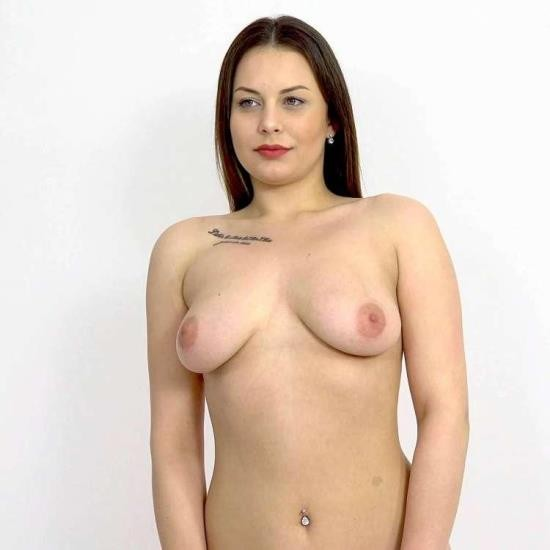 CzechSexCasting/PornCZ - Mia Rose, THOMAS - Hot photoshoot with a happy ending (UltraHD 2K/1920p/900 MB)