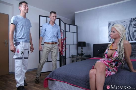 MomXXX/SexyHub - Barbie Sins - UK MILF takes two cocks in one hole (FullHD/1080p/1.03 GB)
