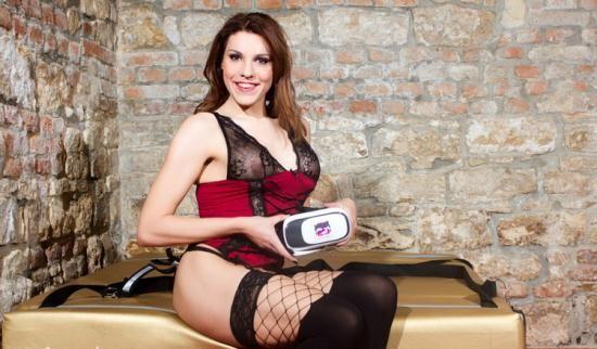 VRBTrans - Nikki Vidic - Vandersexxx Mistress (UltraHD/2K/1920p/3.43 GB)