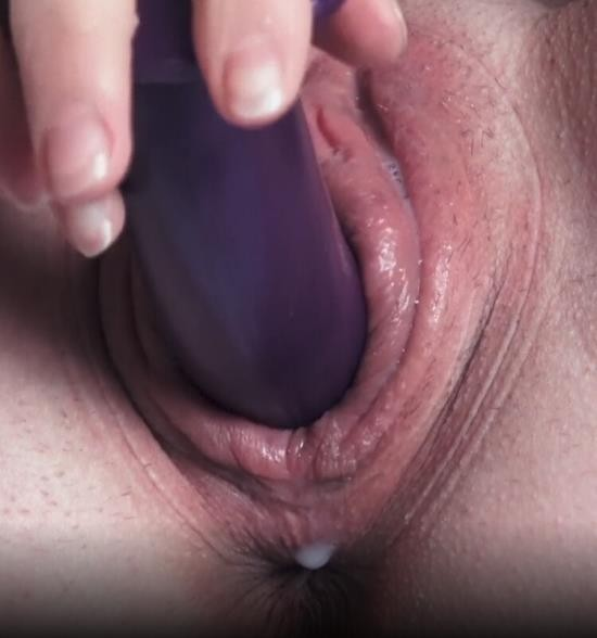 Chaturbate - NatalieFlowers - Pumped Creamy Pussy Fuck with Dildo and Fingersuntil she Squirt (FullHD/1080p/239 MB)