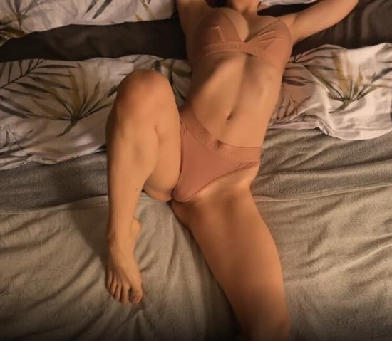 Cam4 - CheriPisces - Horny Babe Loves to Ride until Gets Creampie Amateur CheriPisces (FullHD/1080p/218 MB)