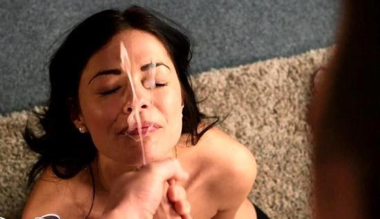 CumPerfection - Ava Dalush - Retro Wife Facial (FullHD/1080p/1.04 GB)