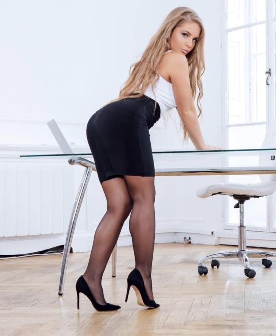 Cum Into My Office/Killergram - Alessandra Jane - Hot Babe In The Office (HD/720p/665 MB)