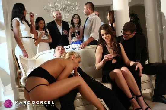 DorcelClub/Dorcel - Manon Martin, Christen Courtney - First orgy and hard DP for the young Manon (FullHD/1080p/492 MB)