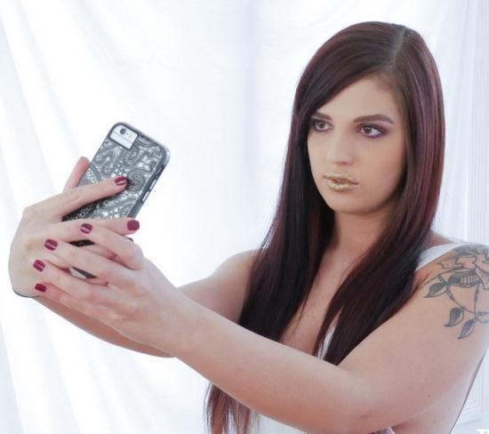 TeamSkeetXSpankMonster/TeamSkeet - Scarlett Mae - She Blows Like A Pro (HD/720p/1.27 GB)