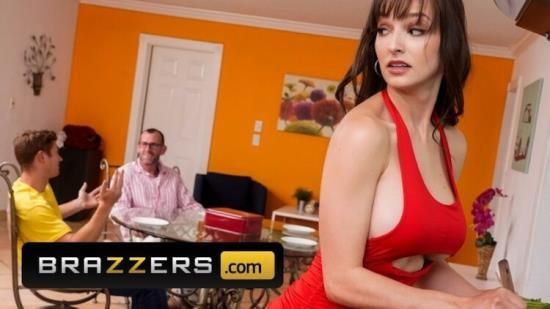 Brazzers - Lexi Luna - Busty Stepmom Lexi Luna Fucks Stepson (FullHD/1080p/376 MB)
