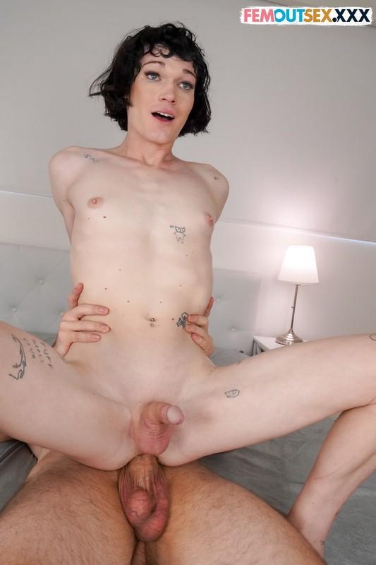Grooby/FemOutSex.XXX - Evelyn Tumbles, King Epicleus - First Hardcore (FullHD/1080p/1.64 GB)