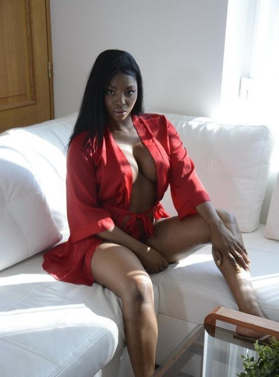 MomXXX/SexyHub - Jasmine Webb - Black MILF demands pussy licking (FullHD/1080p/1.02 GB)