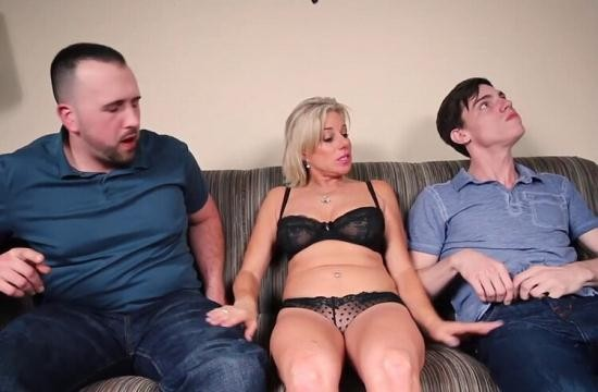 XXX Multimedia/Clips4Sale - Payton Hall - How Mom Finds a Guilty Son (HD/720p/448 MB)