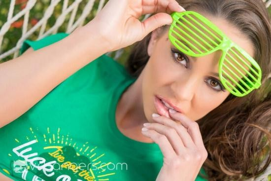 VRBangers - Abigail Mac - The Luck of the Irish (HD/960p/1.11 GB)