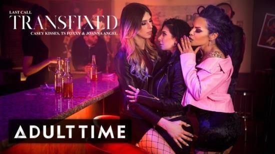 AdultTime - Joanna Angel, Ts Foxxy, Casey Kisses - Transfixed: Joanna Angel Spitroasted at the Bar! (FullHD/1080p/240 MB)