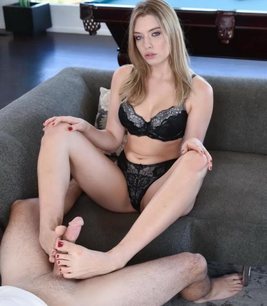 FootsieBabes/21Sextury - Giselle Palmer - Footsie Blonde (HD/720p/586 MB)