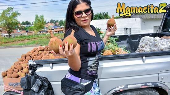 MAMACITAZ - Carne Del Mercado - Vick Valencia Big Booty Latina Colombiana Rides Big Cock (FullHD/1080p/303 MB)