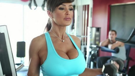PureMature - Lisa Ann - Workin' It (HD/720p/833 MB)