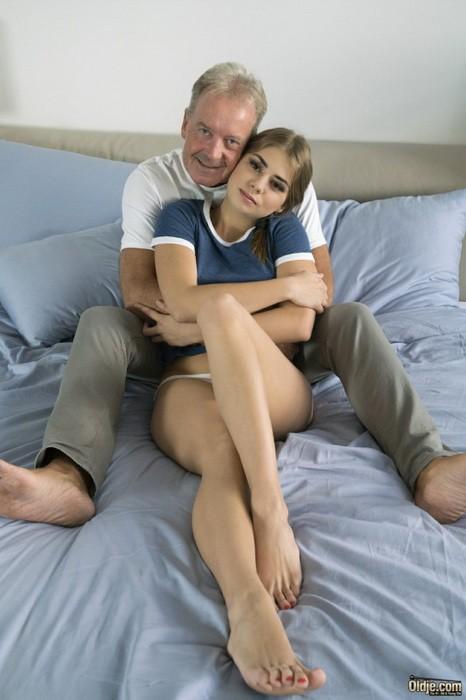 Oldje/ClassMedia - Julia Red - Sex Therapy (FullHD/1080p/962 MB)