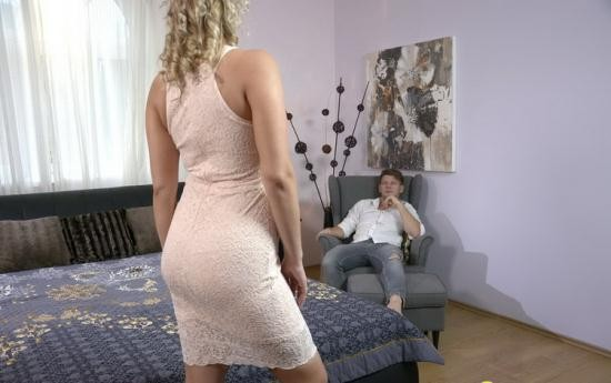 DaneJones/SexyHub - Nikky Dream - Thick blonde Czech sucks fat cock (FullHD/1080p/1.20 GB)