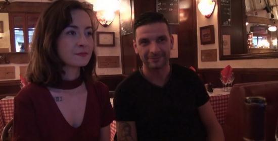JacquieEtMichelTV/Indecentes-Voisines - Julie - Julie, 21ans, serveuse dans un restaurant italien! (FullHD/1080p/1.23 GB)