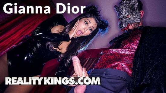 RealityKings - Gianna Dior - Kinky Leather Kitty Gianna Dior gets Halloween fucking (FullHD/1080p/220 MB)