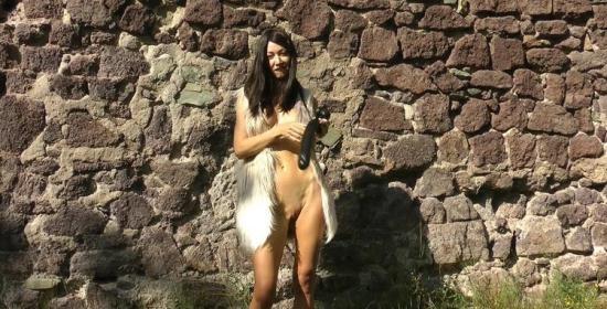 Hotkinkyjo - HotKinkyJo - Barbarian lady deep anal fucking with dildo & belly bulge at the (FullHD/1080p/501 MB)