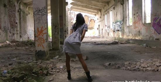 Hotkinkyjo - HotKinkyJo - Black & white strips self anal fisting & prolapse in abandoned (FullHD/1080p/496 MB)
