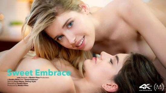 VivThomas - Freya Mayer, Stefany Kyler - Sweet Embrace (FullHD/1080p/1.44 GB)