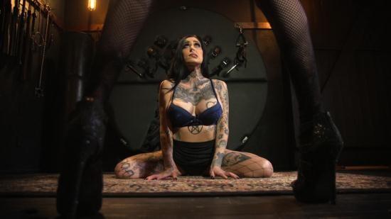 Kink - Chelsea Marie, Janey Doe - Wet For Mistress Newcomer Janey Doe Serves Chelsea Marie (HD/720p/1.17 GB)