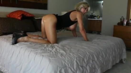 Almiraac - Almiraac - Stunning mature wife homemade fuck (HD/720p/171 MB)