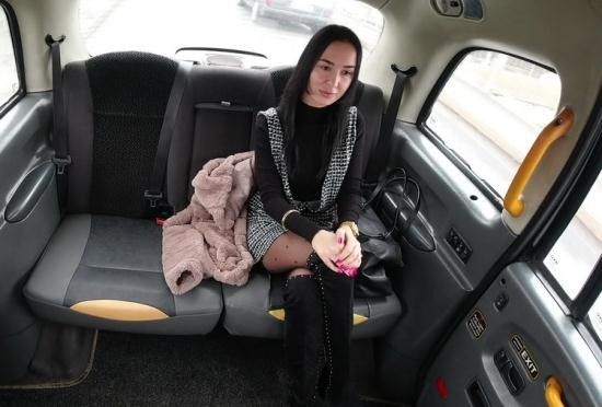 SexInTaxi/Porncz - Freya Dee, Thomas - Girl fucks in a taxi without restraint (UltraHD/2K/1920p/1.48 GB)