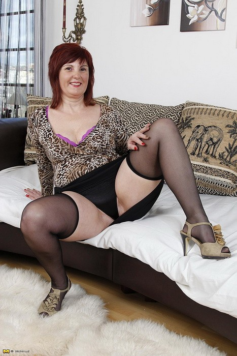 Mature.nl/Mature.eu - Stephanie (50) - Naughty Red Head Likes To Play With Multiple Toys (FullHD/1080p/1.58 GB)