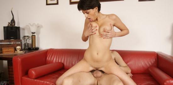 Mature.nl/Mature.eu - Coco De Mal (19) - Sexy Woman Having Sex With An Older Men (HD/720p/278 MB)