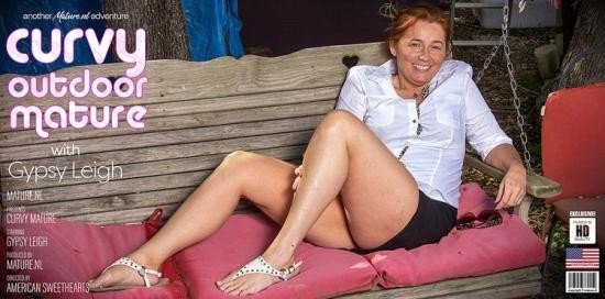 Mature.nl - Gypsy Leigh (48) - Curvy Gypsy Leigh is getting naked in the forest to show off her big butt (FullHD/1080p/2.39 GB)