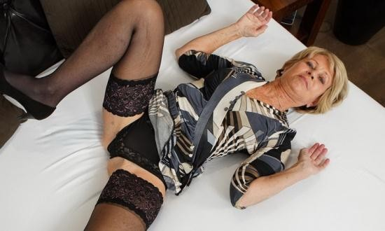 Karups OW Video - Sylva aka Romana (70) - Sylva Stuffs Herself (FullHD/1080p/488 MB)