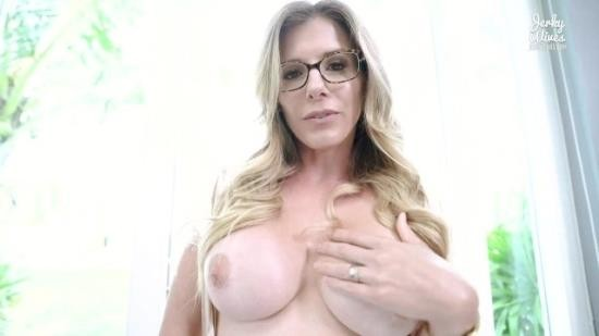 CoryChase - Cory Chase - Step Mom Caught Me Looking at her Only Fans Site (FullHD/1080p/673 MB)