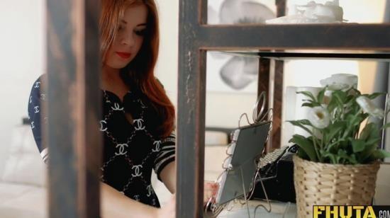 FHUTA - Renata Fox - The Perfect Redhead Girlfriend Renata Fox knows how to please you (FullHD/1080p/388 MB)