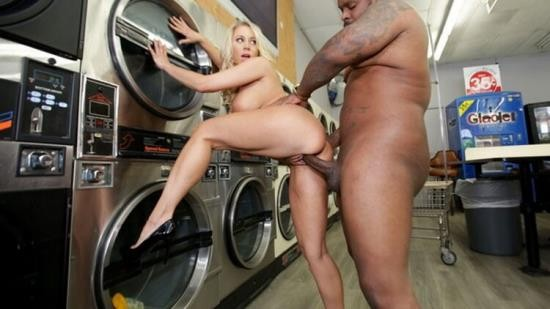 BrokenMILF - Katie Morgan - MILF Katie Morgan Takes Multiple Loads at the Laundromat (FullHD/1080p/485 MB)