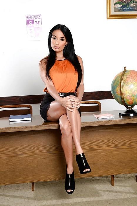 PixAndVideo/21Sextury - Anissa Kate - The Sexiest Teacher Ever (FullHD/1080p/1.10 GB)