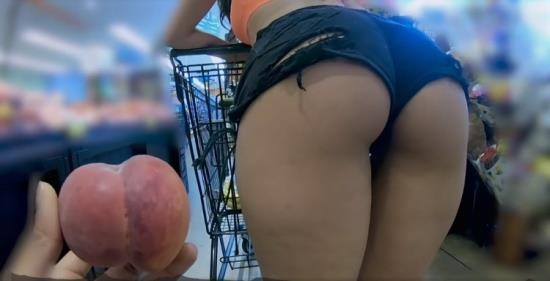 Thickumz - Sophia Leone - Big Booty Latina Fucks Stranger from Supermarket (HD/720p/448 MB)
