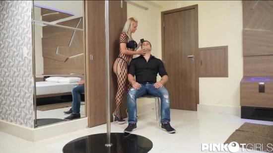 PinkoTGirls - Samara De Macedo - Samara De Macedo Blonde Tranny Sodomizes her Man Bareback (FullHD/1080p/892 MB)