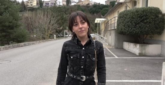 JacquieEtMichelTV/Indecentes-Voisines - Manea - Manea, 20 Years Old, Dental Assistant In Ventabren 13 (FullHD/1080p/1.07 GB)